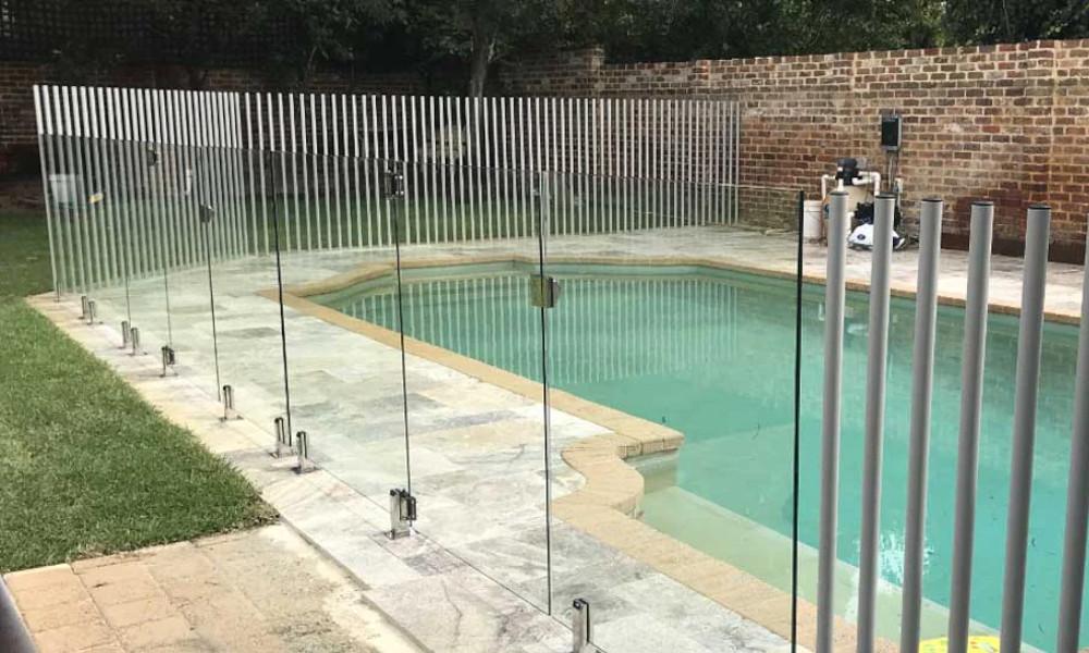 Custom Pool Fences Improve Backyard Aesthetic Fencit